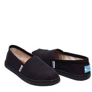 Toms Classic Black Apargata Shoes Slip Ons Kids🙂